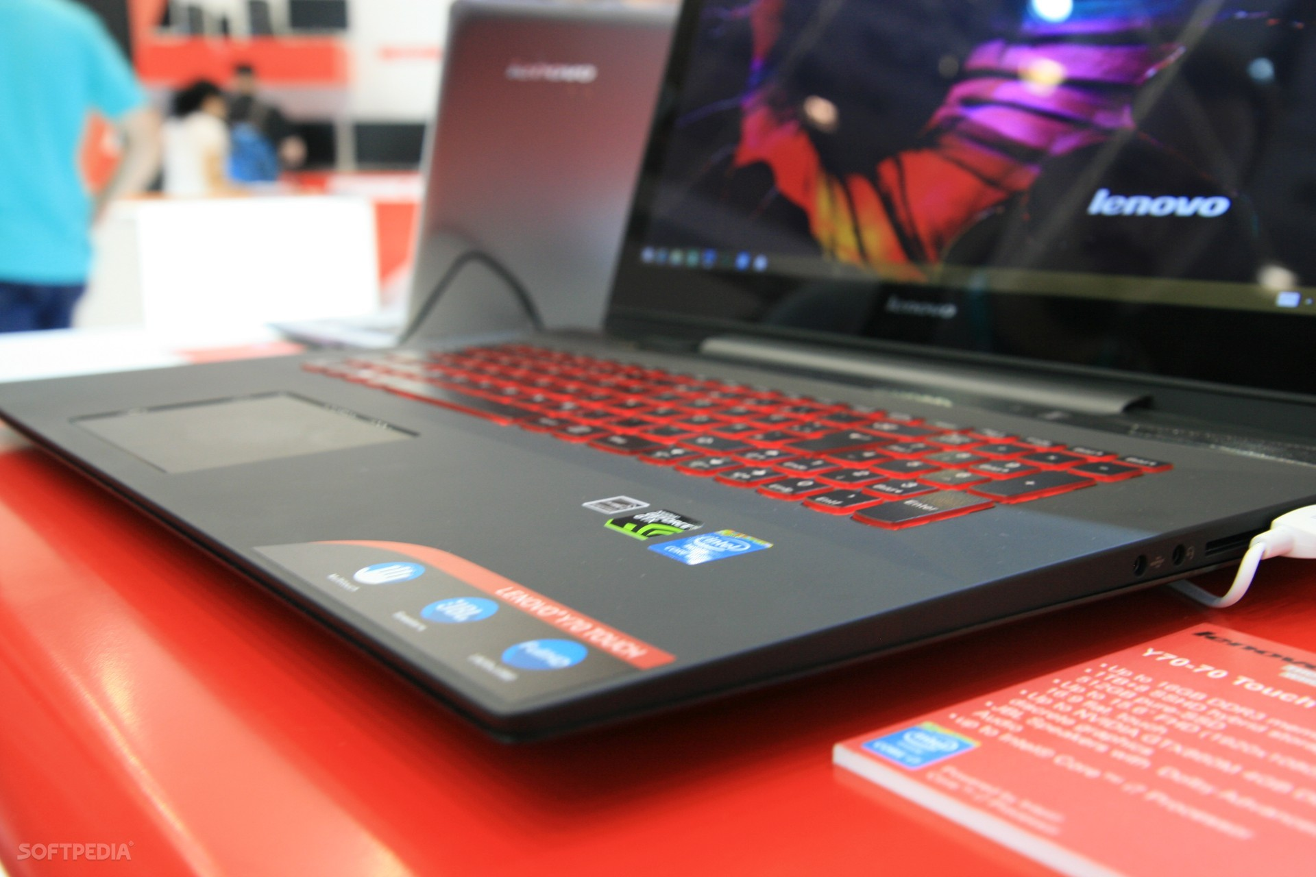 Hands-On-Lenovo-IdeaPad-Y70-Gaming-Laptop-with-Touch-Screen-457906-5
