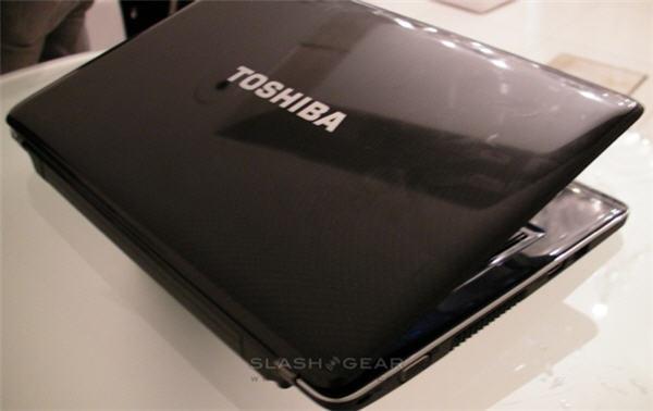 toshiba_satellite_t130_t110_culv_notebooks-2-0001