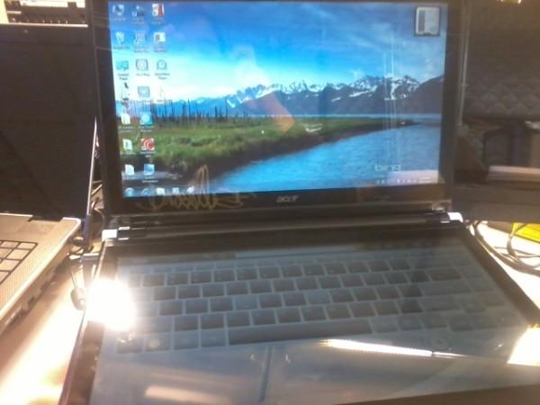 02-01 หลุดออกมาหรือเปล่า Acer Dual Screen พร้อม Intel Core i5