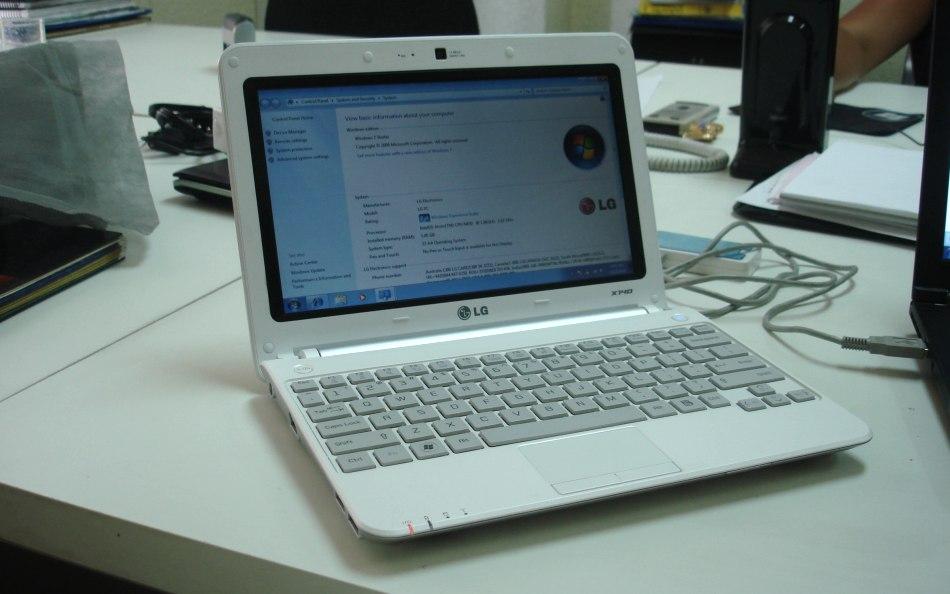 03-01 LG เข้าวง Atom N550 อีกคน จับ LG X140 ผ่าตัดออกโชว์งาน IDF 2010