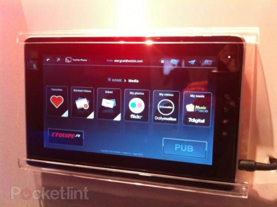 04-01 เปิดตัวตามคาดในงาน IFA 2010 กับ Tablet ตัวใหม่ Toshiba Folio 100