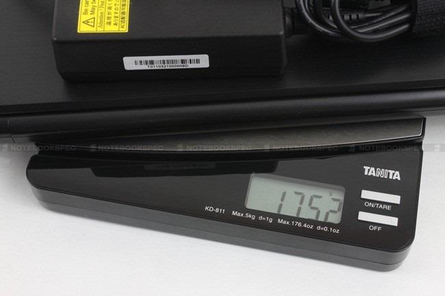 Toshiba R700 02