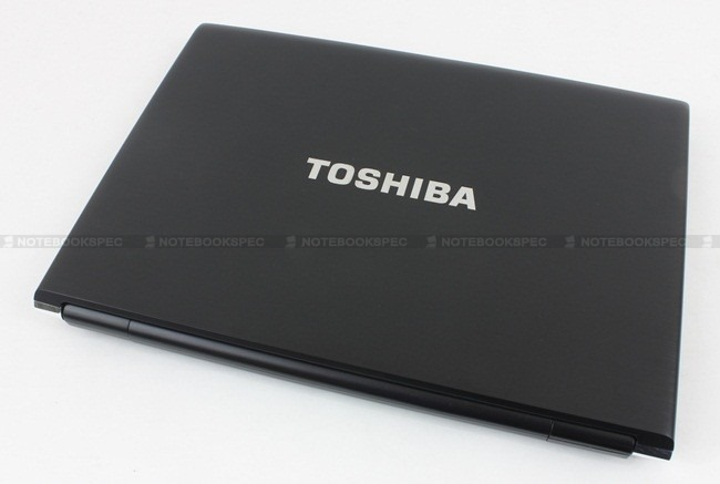 Toshiba R700 04