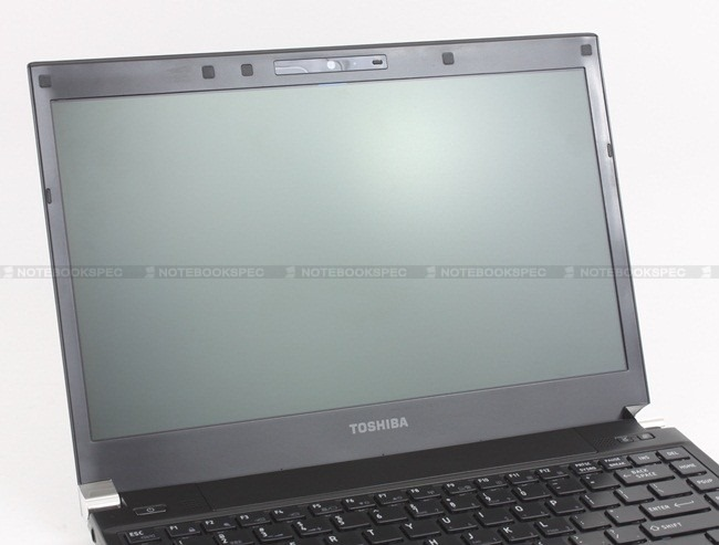 Toshiba R700 24
