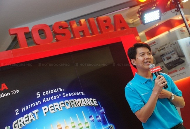 Toshiba NB520 11