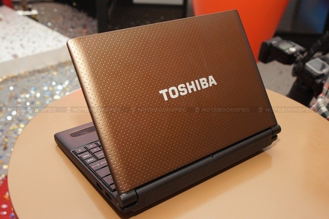 Toshiba NB520 24