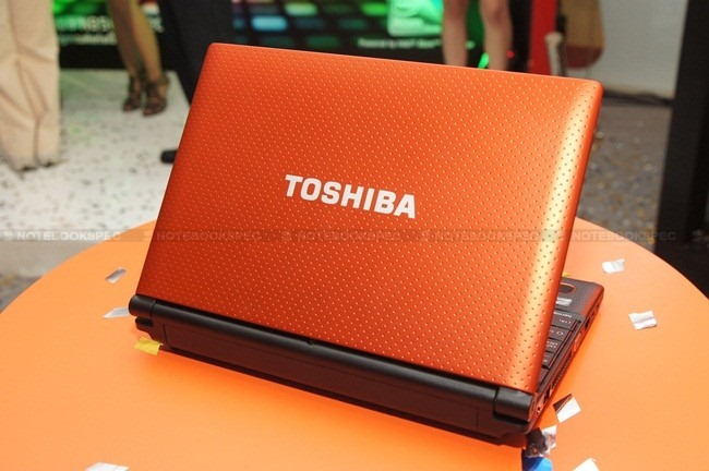 Toshiba NB520 26