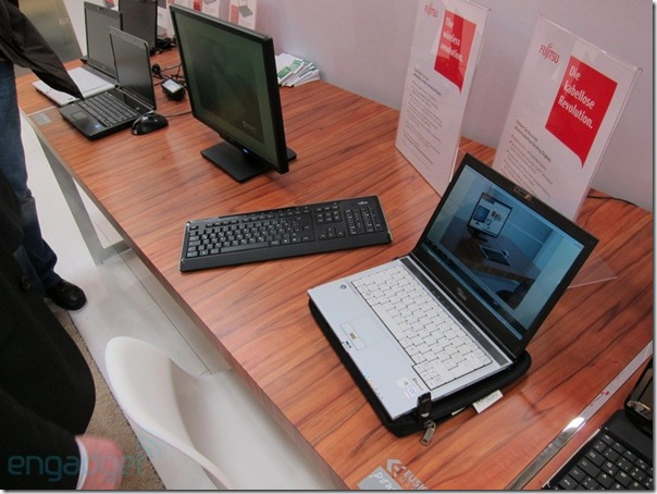 fujitsu-wireless-display-cebit-08-1298993244