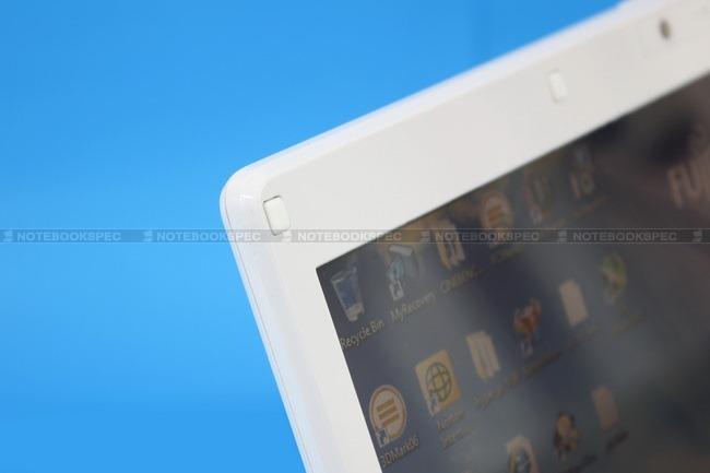 Fujitsu-LifeBook-PH701-14