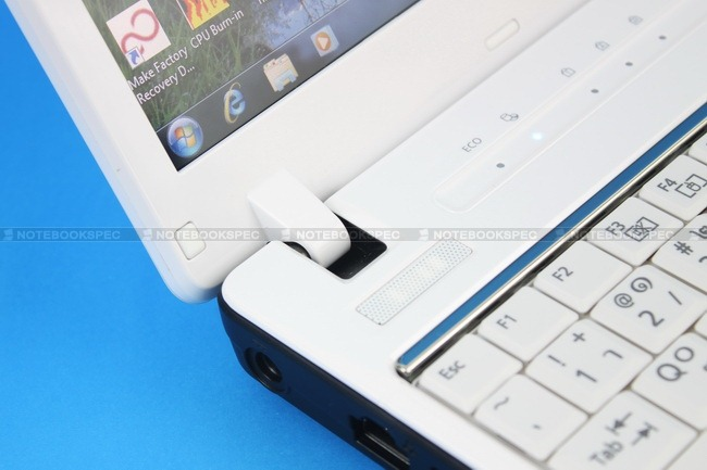 Fujitsu-LifeBook-PH701-15