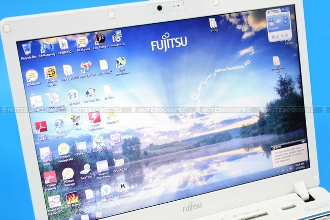 Fujitsu-LifeBook-PH701-17