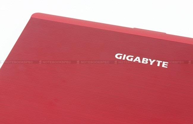 Gigabyte-M1405 002