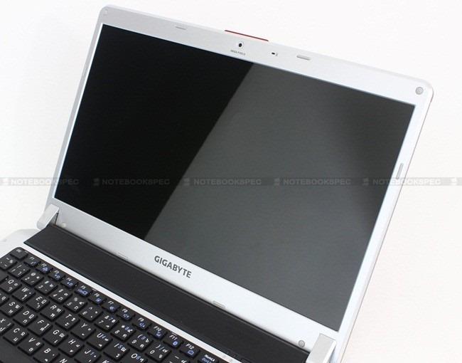 Gigabyte-M1405 023