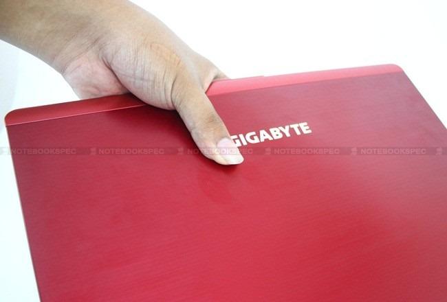 Gigabyte-M1405 071