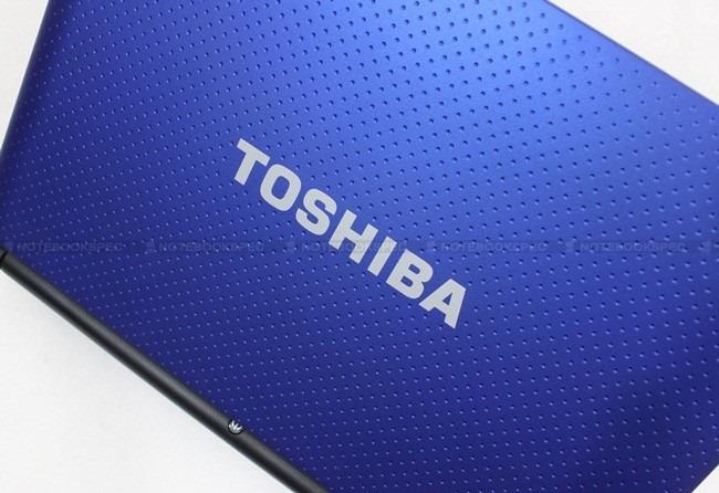 Toshiba NB520 05