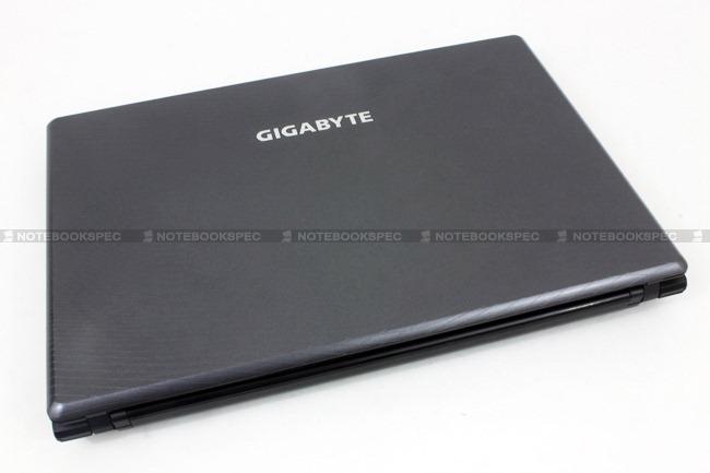 Gigabyte-Q2432A-03