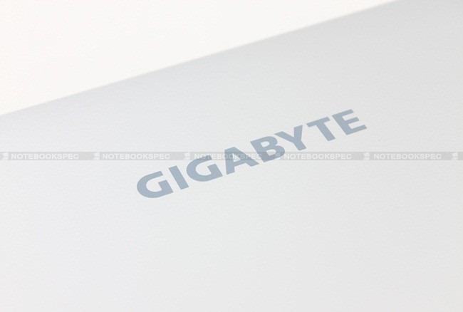 Gigabyte-Q1105M-24