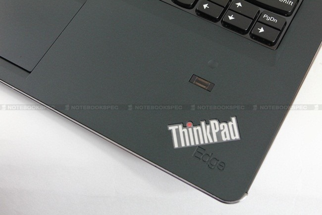 Lenovo-Thinkpad-EDGE-E220s-26