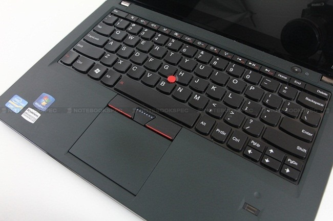 Lenovo-Thinkpad-EDGE-E220s-29