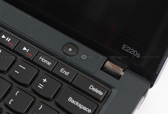 Lenovo-Thinkpad-EDGE-E220s-31