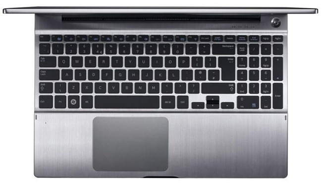 Samsung-Series-7-Chronos-laptop-04