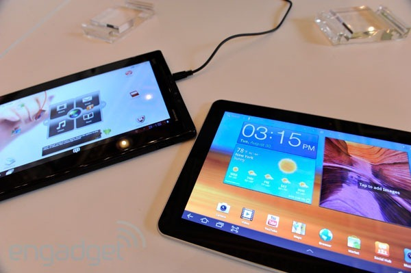 lenovo-thinkpad-tablet-vs-samsung-galaxy-tab-10-1-fight