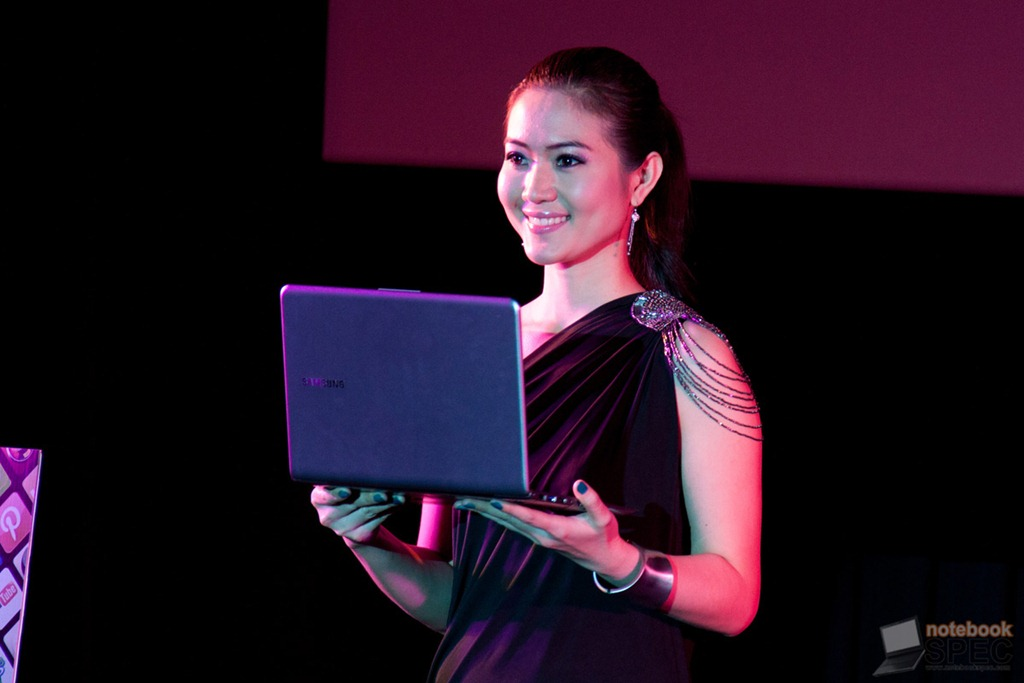 Samsung Series 5 ultrabook launched 9