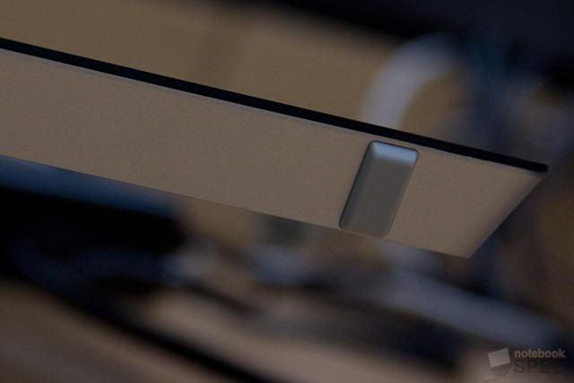Lenovo-A720-Preview-18