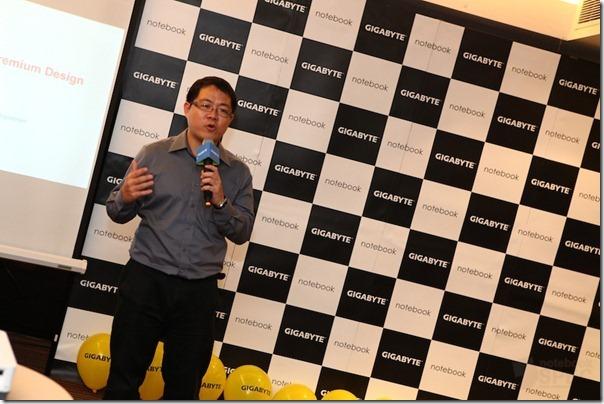 GIGABYTE Opening Ultrabook Gaming 030