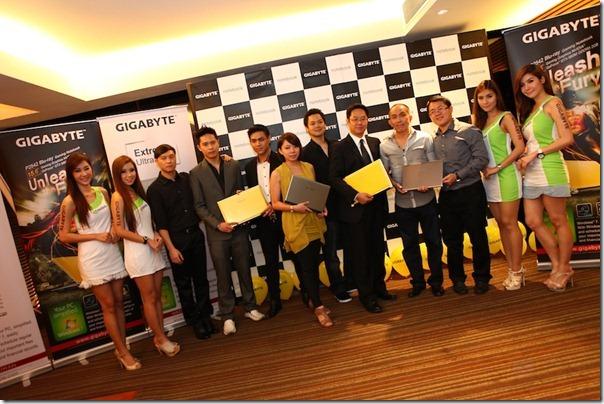 GIGABYTE Opening Ultrabook Gaming 039