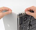 MacBook Pro with Retina Display มีราคาค่าเปลี่ยนแบตเตอรี่ที่สูงถึง $500 !!