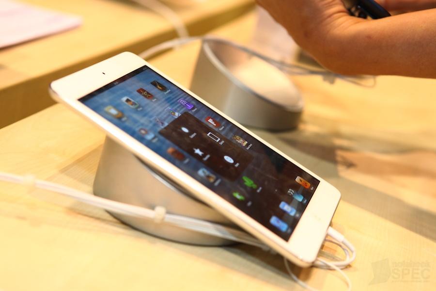 Apple Comtech 2012 023
