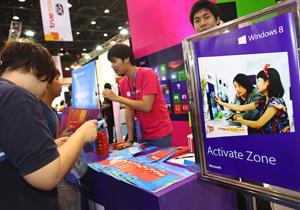 พาทัวร์บรรยากาศบูธ Microsoft - Windows 8 ใน Commart Comtech Thailand 2012