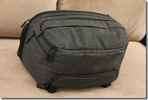 Incase DSLR Pro Sling Pack Review 002