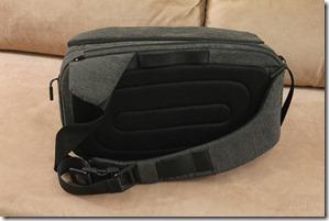 Incase DSLR Pro Sling Pack Review 007