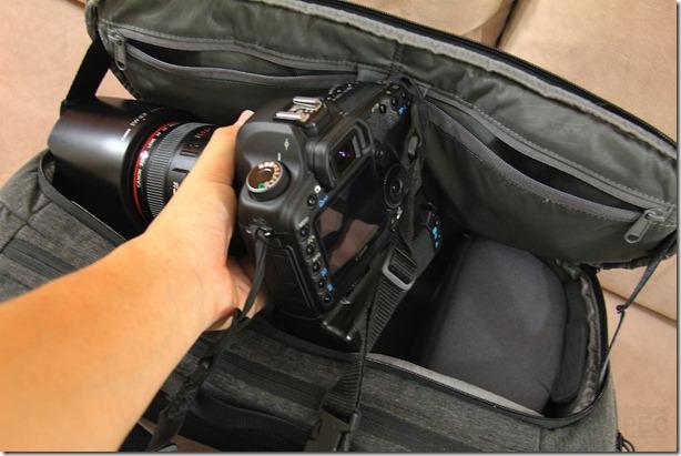 Incase DSLR Pro Sling Pack Review 027