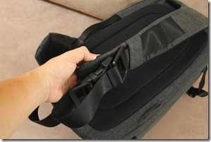 Incase DSLR Pro Sling Pack Review 033
