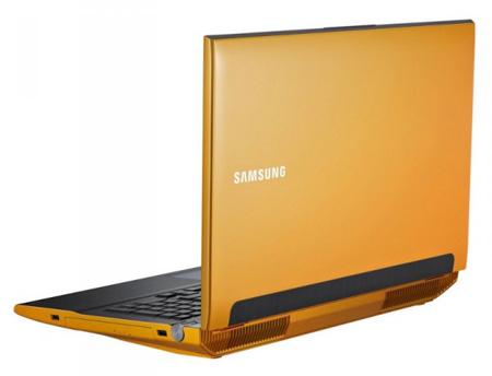Samsung Series 7 Gaming Laptops Turn Yellow 2