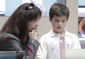 Microsoft เผยคลิปโฆษณา ให้เด็ก 11 ขวบมาสอนลูกค้าใช้งาน Windows 8
