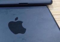 หลุด! ชิ้นส่วนฝาหลัง iPad รุ่นที่ 5 ที่จะมีความจุ 128 GB ให้เลือก โดยดีใช้ไซน์แบบเดียวกับ iPad mini