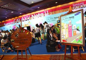 พาชมแท็บเล็ตและแบตเตอรี่เสริมภายนอก (Power Bank) ภายในงาน Thailand Mobile Expo 2013
