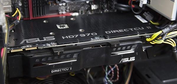 ASUS HD 7970 DirectCU II installed 1200 thumb 3379BF0C