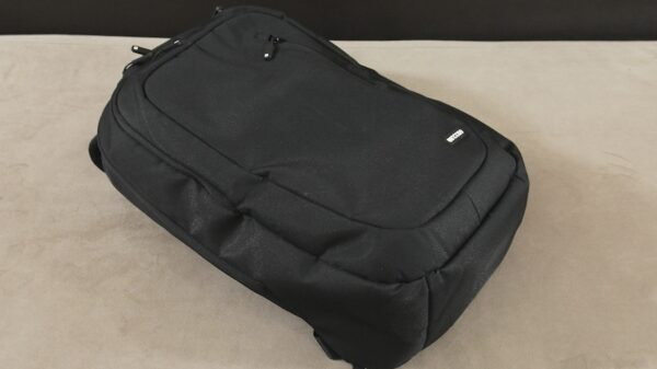 Incase Backpack 17 Review 001
