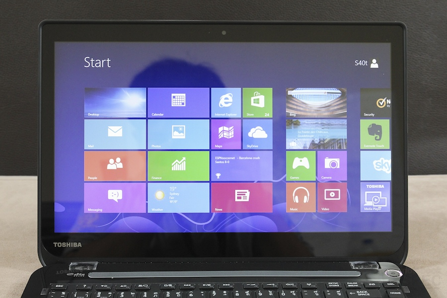 Toshiba S40T Review 008