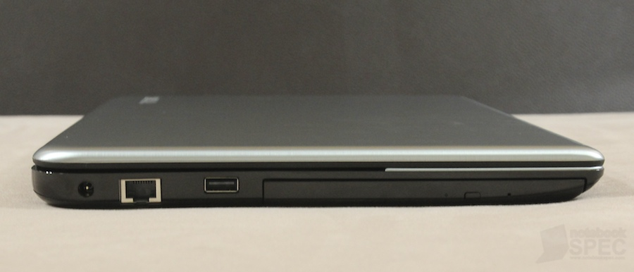 Toshiba S40T Review 027