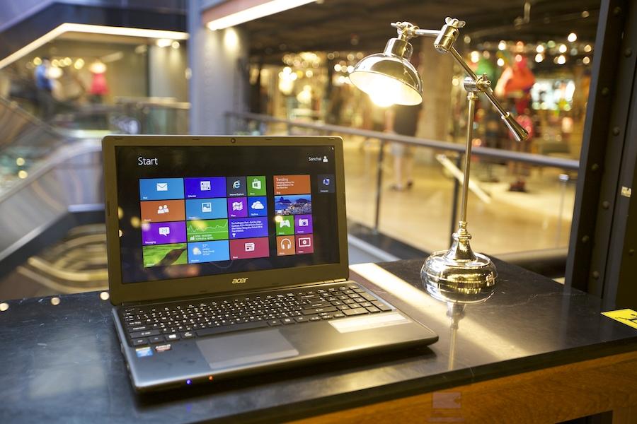 Acer Aspire E1 daily using 009