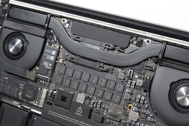 MacBook Pro Retina 15 Late 2013 Inside 019