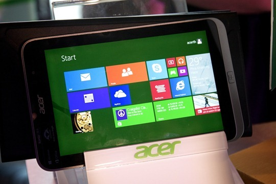 Acer-Iconia-W4-Hands-on-Notebookspec 001