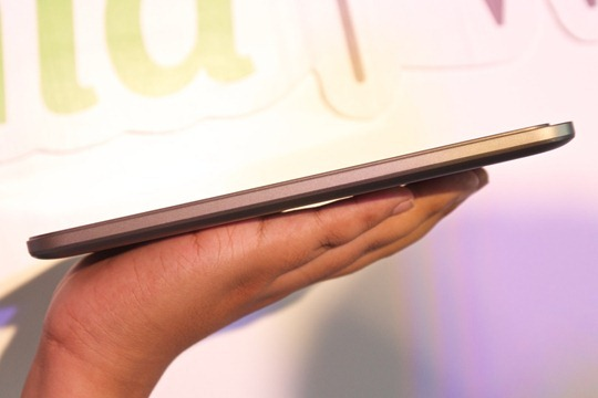 Acer-Iconia-W4-Hands-on-Notebookspec 011