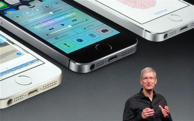 apple 1 2667982b